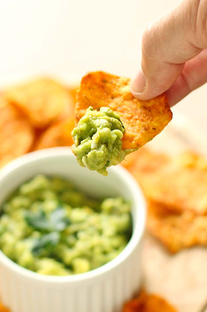 Homemade guacamole, creamy, easy and full of flavor.