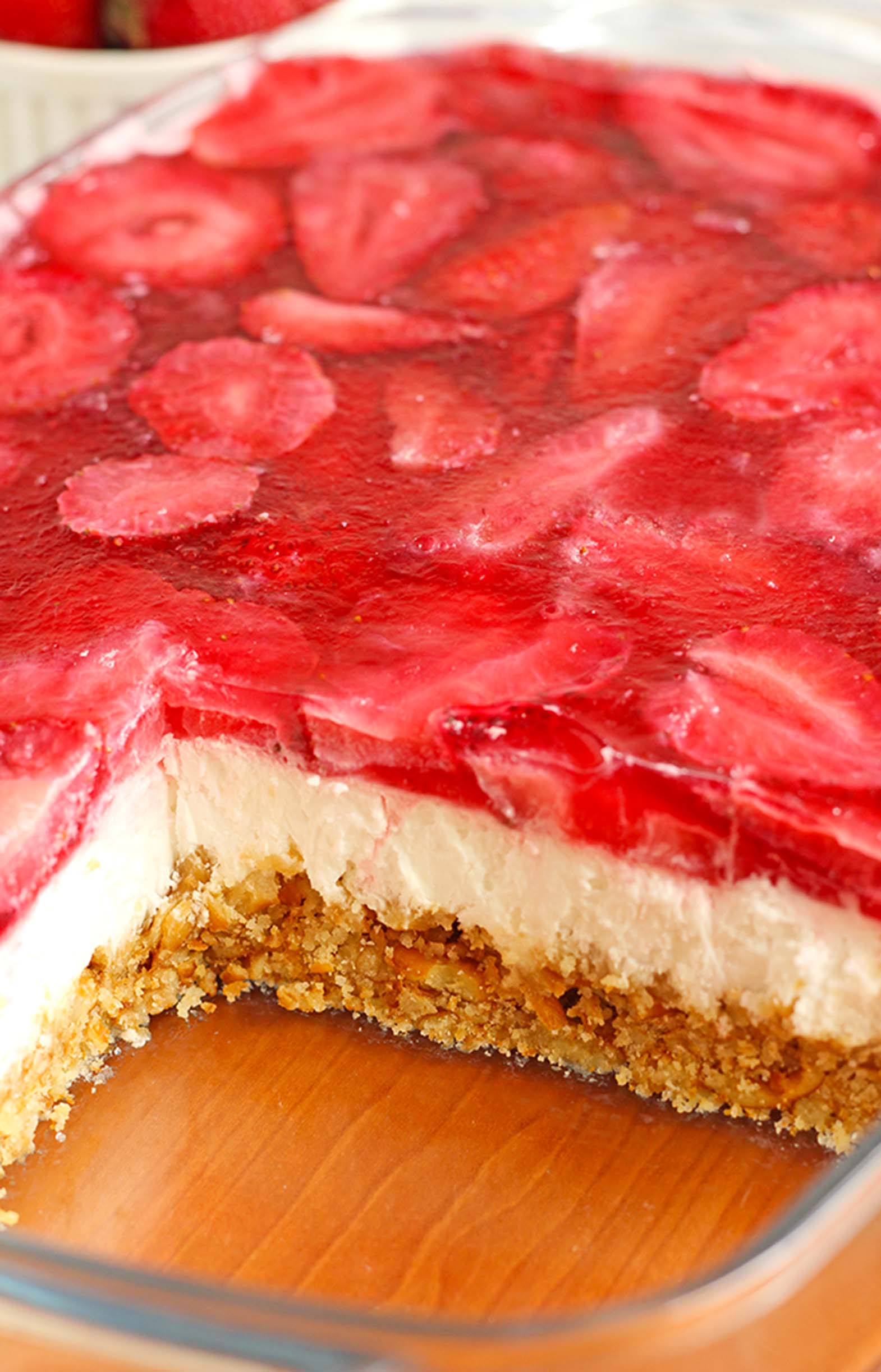 This Strawberry Pretzel Dessert just begging you to make it for your