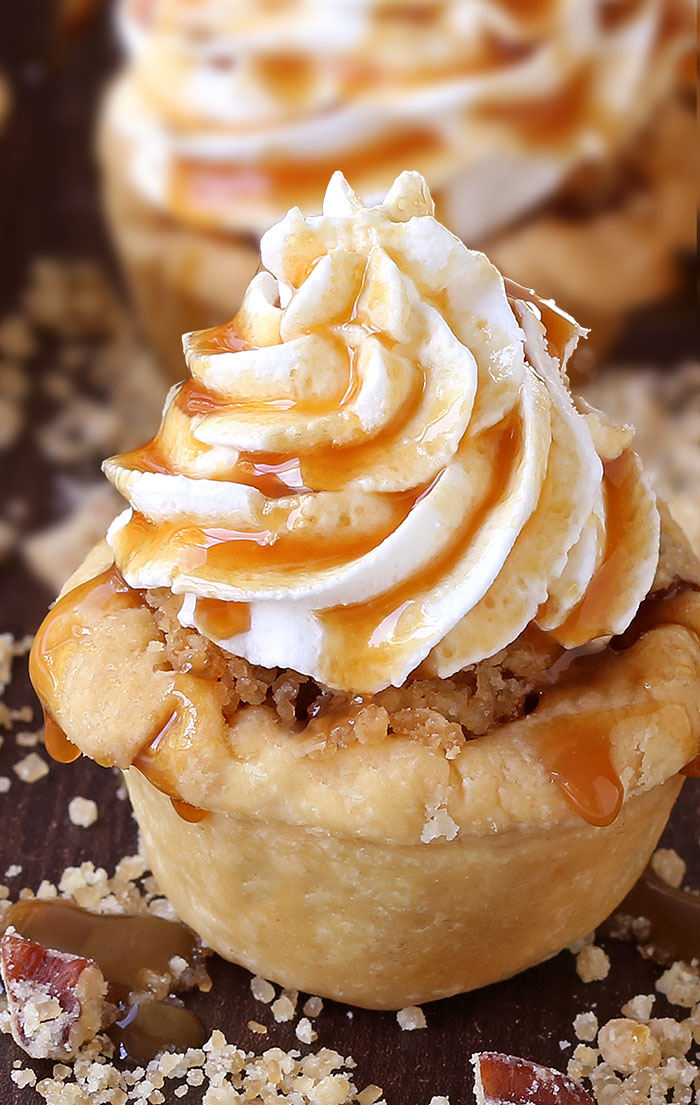 When you don't feel like having an apple pie then these Apple Pie Cupcakes are just the best alternative that you can get.